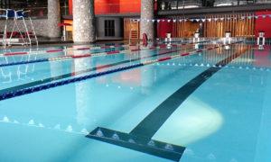 Cours de natation à Val d'isère avec Josselin, coach sportif et maître-nageur